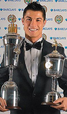 Foto de la Cristiano Ronaldo en premios mejor jugador permier
