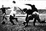 Fotografia del Partido Real Madrid C.F. 11 - F.C. Barcelona 1 de 13 de Junio de 1943-05