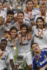 Foto de El Real Madrid supercampeón, goleando con 9