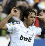 Foto de El Real Madrid vence al Sporting y recorta dos puntos al Barça