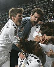 Foto de El Madrid recurre a la heroica para vencer al Getafe 3-2 en un partido loco