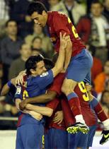Foto de El Barcelona empata 2-2 con el Valencia en Mestalla, en un partido muy intenso