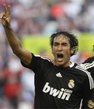 Foto de El Real Madrid vence 2-4 al Sevilla y anima el próximo partido del siglo