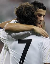 Foto de El Real Madrid empata 1-1 con el Al-Ittihad en el estreno ante su afición