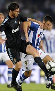 Foto de El Real Madrid vence 0-2 en la conmemoración del Centario de la Real Sociedad
