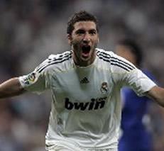 Foto de El Real Madrid vence 2-0 al Getafe a pesar de jugar con uno menos
