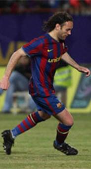 Foto de El Barcelona empata 1-1 en Kuwait y Milito reaparece