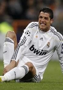 Foto de El Madrid empata 1-1 con el Lyon y cae eliminado en Champions