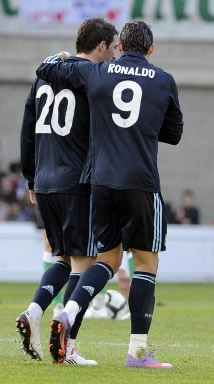 Foto de El Real Madrid vence 0-2 al Racing de Santander