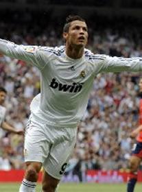 Foto de El Real Madrid vence in extremis 3-2 a Osasuna