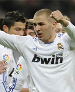 Foto de El Real Madrid vence 1-0 al Mallorca y mantiene el pulso en la liga