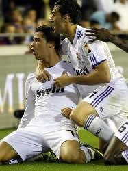 Foto de El Real Madrid se hace con la Copa al vencer al F.C. Barcelona 1-0 en la prórroga