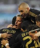 Foto de El Real Madrid golea 0-6 al Zaragoza en el estreno de la liga