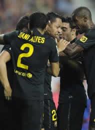 Foto de El Barça se pone líder al vencer 0-1 en Gijón