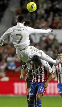Foto de Importante victoria 0-3 del Real Madrid en Gijón