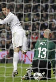 Foto de El Real Madrid remonta y vence 3-2 al Málaga en la ida de la copa