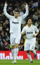 Foto de El Real Madrid golea 4-0 al Racing y duerme con trece de ventaja