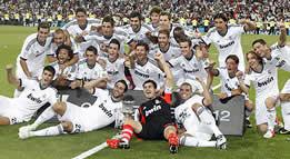 Foto de El Real Madrid se hace con la Supercopa de España venciendo 2-1 al Barça