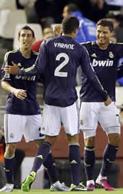 Foto de El Real Madrid golea 5-0 al Valencia