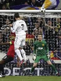 Foto de Real Madrid y United empata 1-1 en la ida de Champions