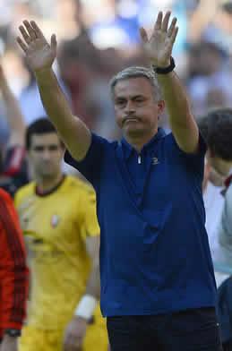 Foto de Mourinho se despide del Madrid con victoria 4-2 ante Osasuna