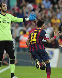Foto de El F.C. Barcelona vence 2-1 al Real Madrid en un partido del siglo táctico y con cierta polémica