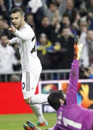 Foto de El Real Madrid vence 2-0 a Osasuna en la ida de Copa