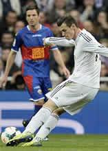Foto de El Real Madrid líder tras vencer 3-0 al Elche