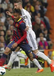 Foto de El F.C. Barcelona vence 3-4 en el partido del siglo al Real Madrid
